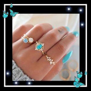 Jewelry - Beautiful 4pc blue charm ring set